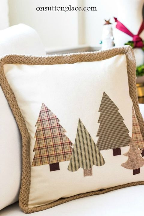 gallery-1479137805-diy-no-sew-christmas-tree-pillow-cover.jpg