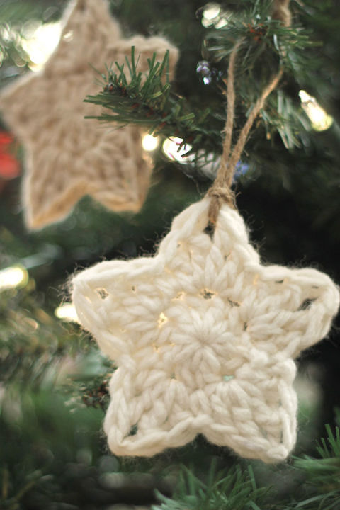 gallery-1479137908-crochet-star-ornament-3.jpg