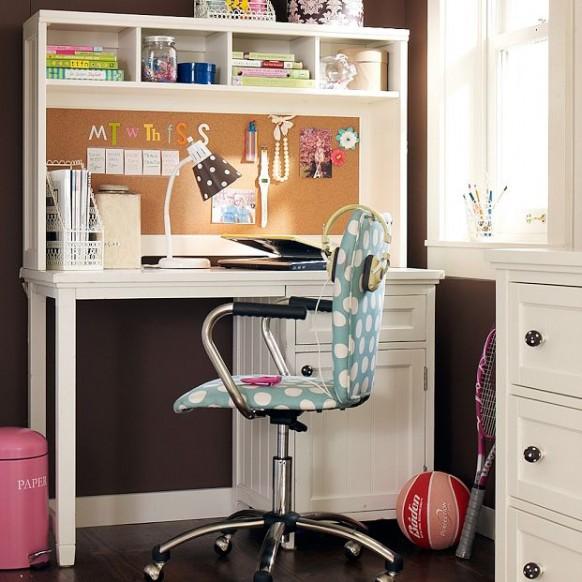 gorgeous-teen-study-582x582