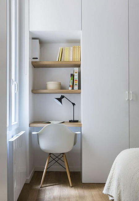 05-a-very-small-and-compact-working-space-with-built-in-shelves-by-the-window.jpg
