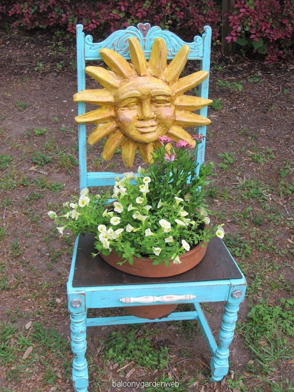 easy-chair-planter