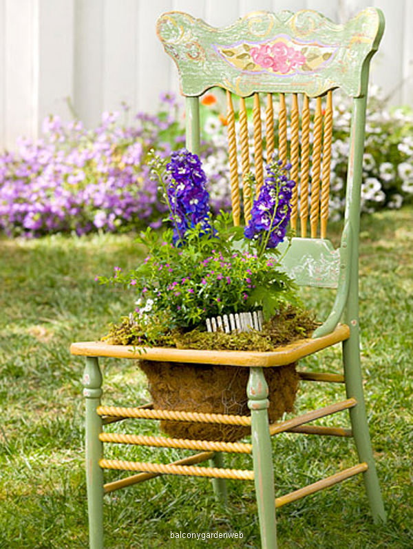 upcycled-chair-planter