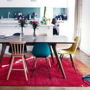 luxury-dining-table-with-different-chairs-around-the-dining-table-mismatched-eames-chairs-