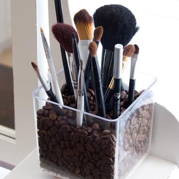 Craft-ideas-Coffee-makeup-brush-holder.