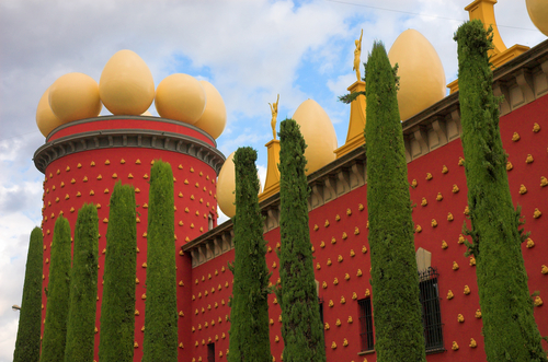 Dali-theater-museum-figueras1