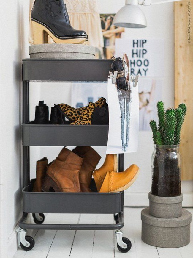 smart-ways-to-use-ikea-raskog-cart-for-home-storage-21